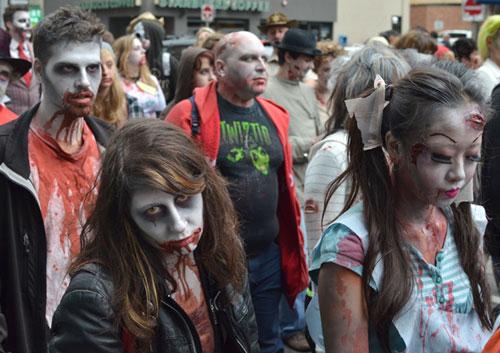 20121021-Zombiewalk-2012-5491.jpg - 53.7 kb