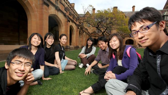 Chinese students study in canada