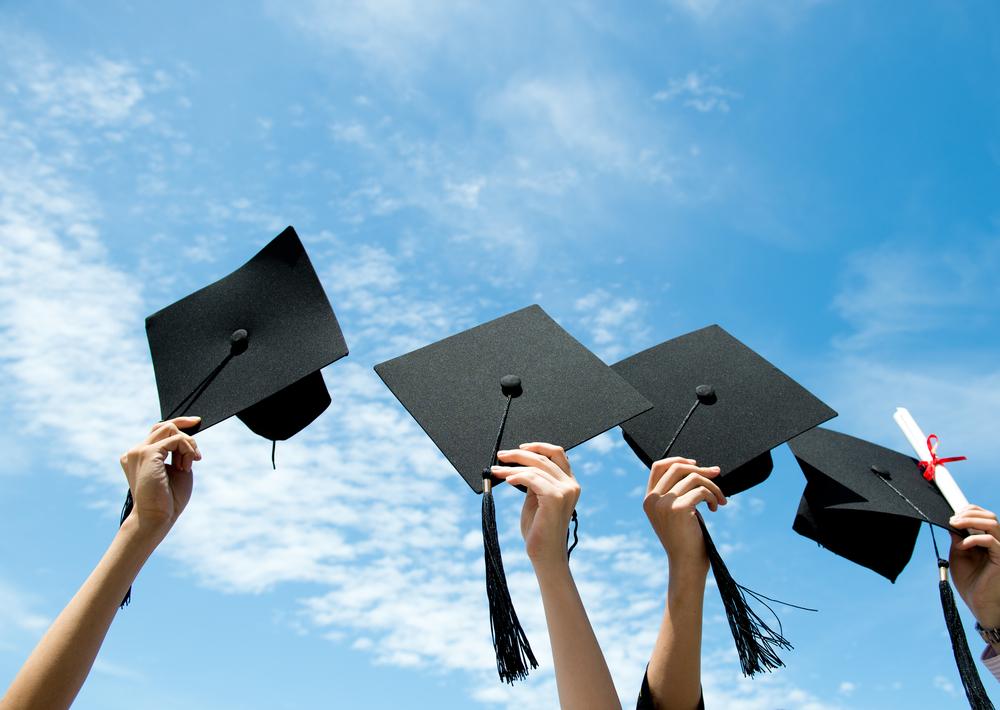 graduate_from_high_school_of_canada.jpg - 635.2 kb