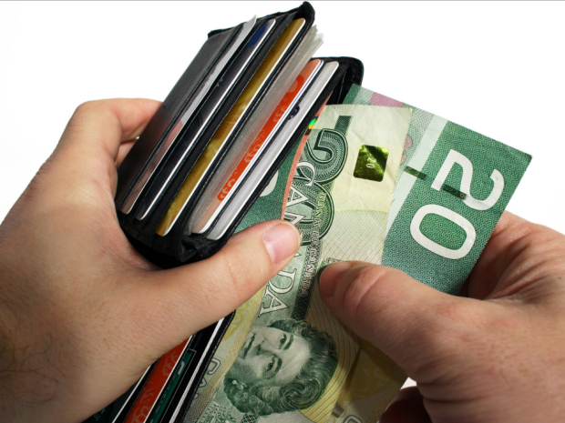 paying_cash_with_canadian_c.png - 455.19 kb