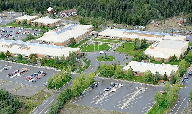 yukoncollege_campus.jpg - 130.07 kb